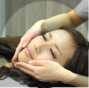 美容皮膚科施術の様子